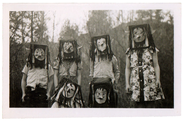 creepiest old Halloween pictures box witches
